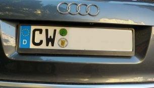 Auto mit dem Kennzeichen CW