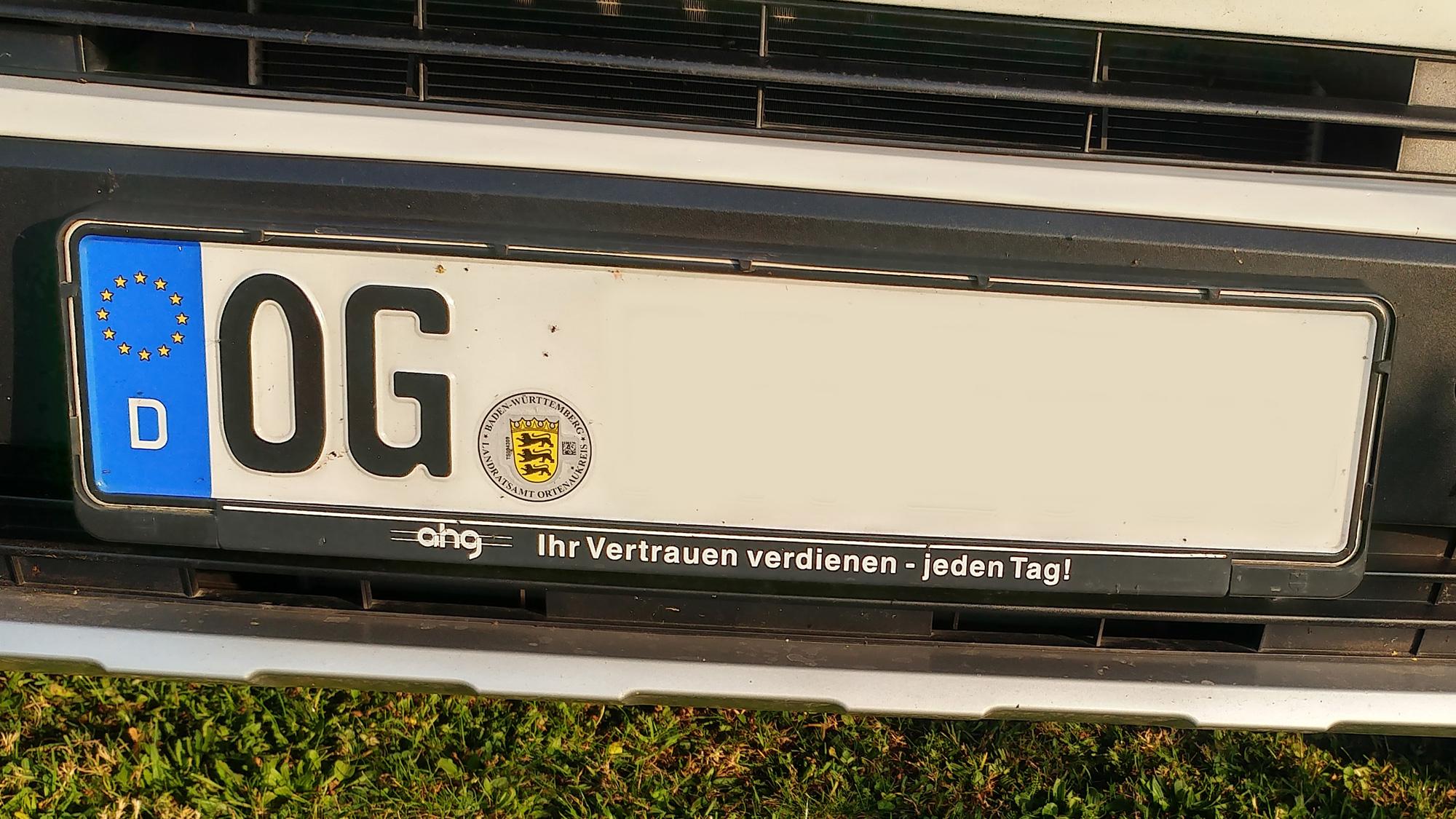 Auto mit dem Kennzeichen OG
